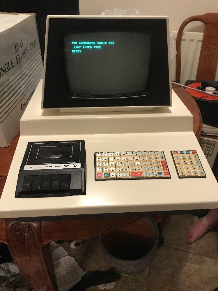 Commodore chicklet PET professionally restored
